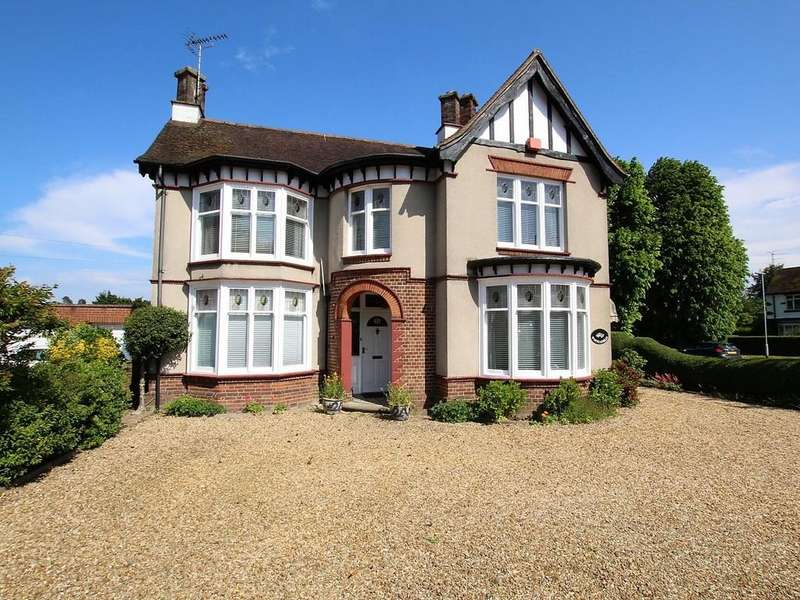 4 Bedrooms Detached House for sale in Elm High Road, Wisbech