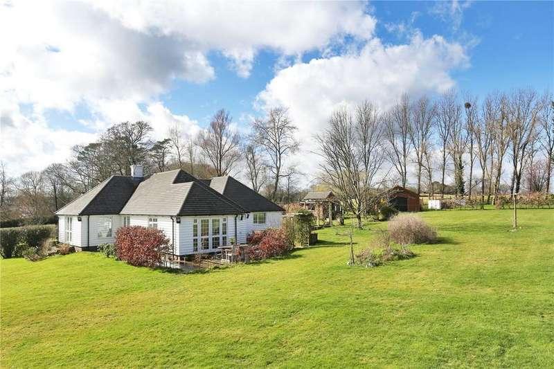 3 Bedrooms Detached House for sale in Straight Mile, Etchingham, East Sussex, TN19