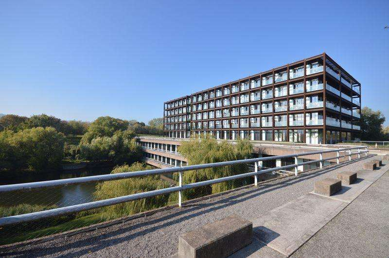 1 Bedroom Apartment Flat for sale in Lake Shore Drive, Bristol