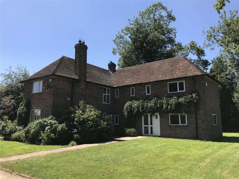 5 Bedrooms Detached House for rent in Common Road, Studham, Dunstable, Bedfordshire