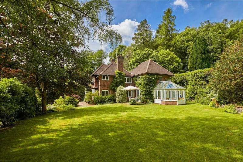 5 Bedrooms Detached House for sale in Chase Lane, Haslemere, Surrey, GU27