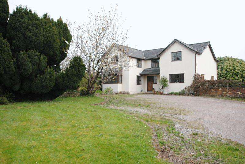 4 Bedrooms Detached House for sale in Lydney, Gloucestershire