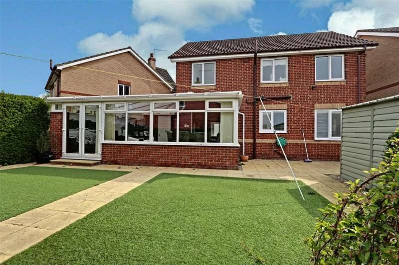 4 Bedrooms Detached House for sale in Brandon Way, Kingswood, Hull, East Yorkshire, HU7