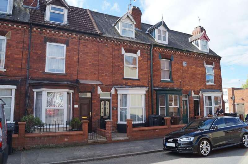 3 Bedrooms Terraced House for sale in Winn Street, Lincoln