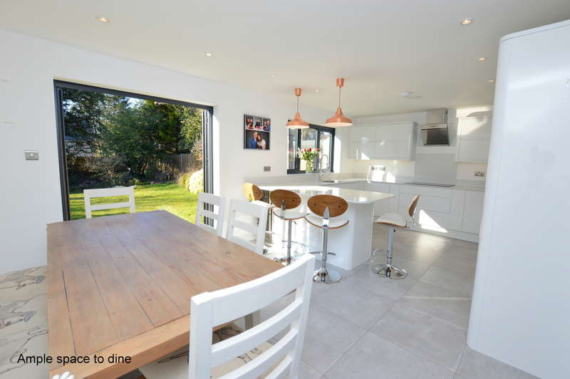 4 Bedrooms Detached House for sale in Alma Road, Reigate