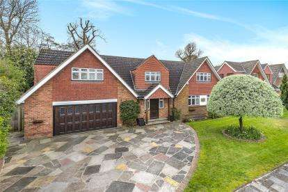 5 Bedrooms Detached House for sale in Percival Road, Orpington