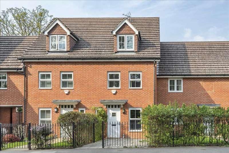 3 Bedrooms Terraced House for sale in Waterloo Road, Crowthorne