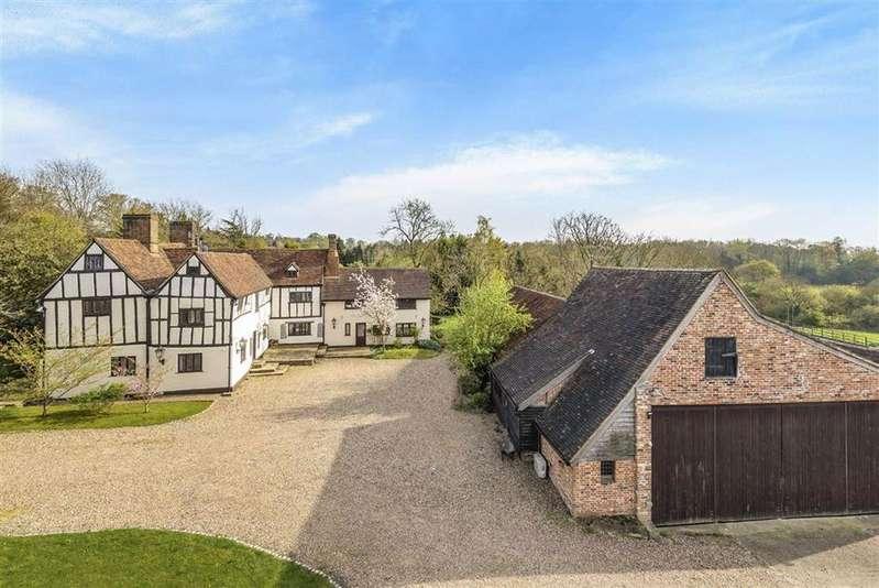 5 Bedrooms Detached House for sale in Bell Lane, Brookmans Park, Hertfordshire