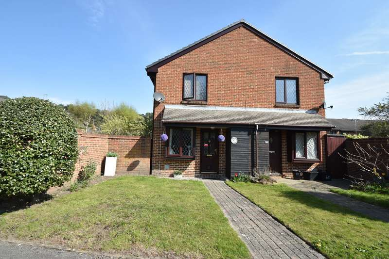 1 Bedroom Semi Detached House for sale in Marigold Close, Crowthorne, RG45