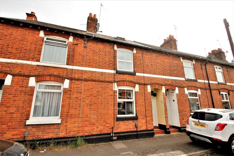 3 Bedrooms Terraced House for sale in Oswald Road, Rushden