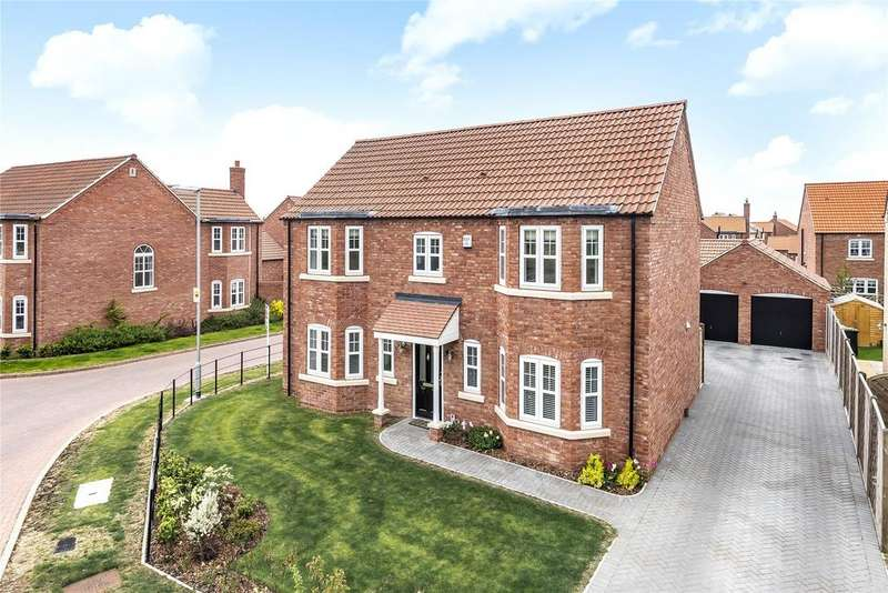 4 Bedrooms Detached House for sale in Loweswater Close, Waddington, LN5