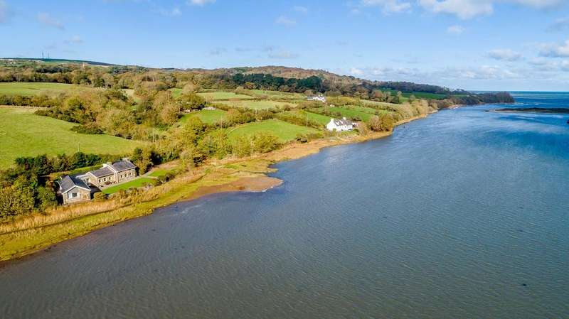 3 Bedrooms Detached House for sale in Llys Dulas, Dulas, Anglesey, LL70