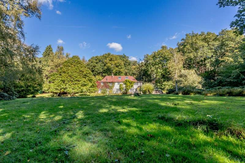 3 Bedrooms Detached House for sale in Churt