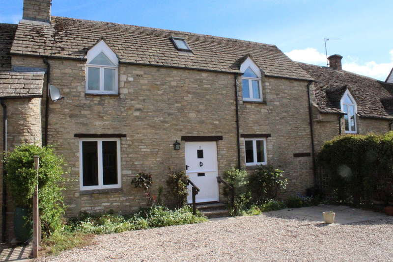 2 Bedrooms Cottage House for sale in White Hart Court, Fairford