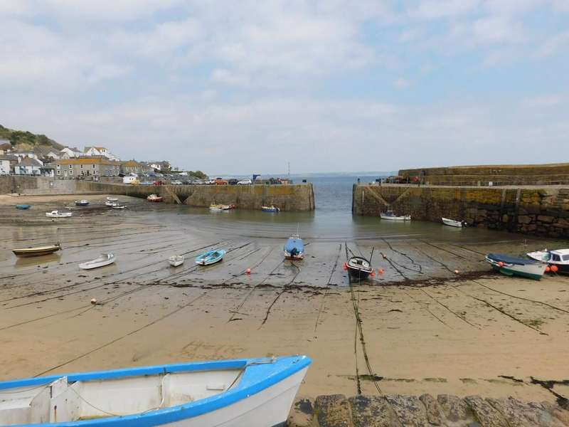 6 Bedrooms End Of Terrace House for sale in Portland Place, Mousehole