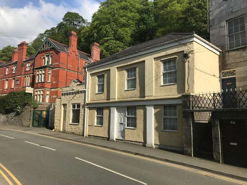 3 Bedrooms End Of Terrace House for sale in High Street, Bangor, North Wales