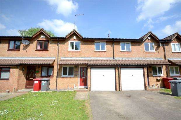 3 Bedrooms Terraced House for sale in Walpole Road, Slough