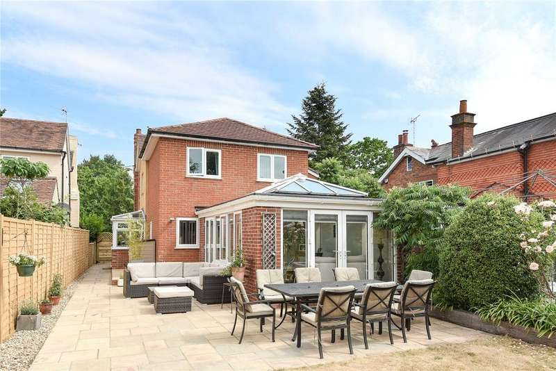 4 Bedrooms Detached House for sale in Windmill Road, Mortimer Common, Reading, Berkshire, RG7