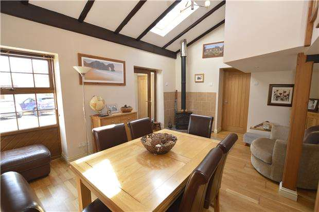 3 Bedrooms Property for sale in Mill Lane, Frampton Cotterell, Bristol, BS36 2AA