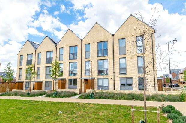 4 Bedrooms Terraced House for sale in Charger Road, Trumpington, Cambridge