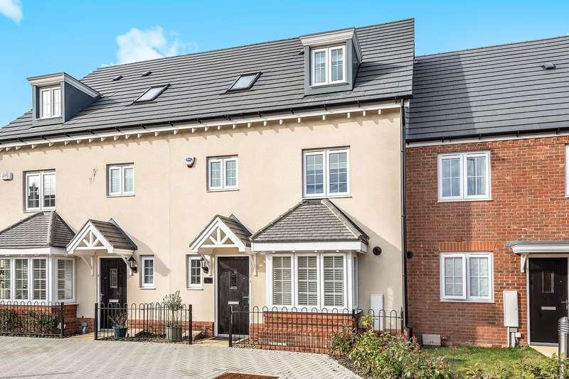 4 Bedrooms Property for rent in Shackleton Gardens, Flitwick, MK45
