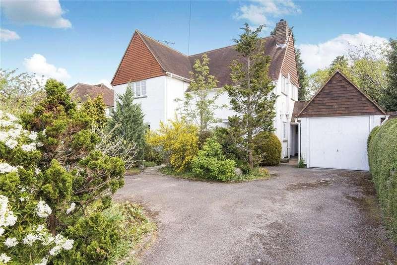 4 Bedrooms Detached House for rent in Parkway, Camberley, Surrey, GU15