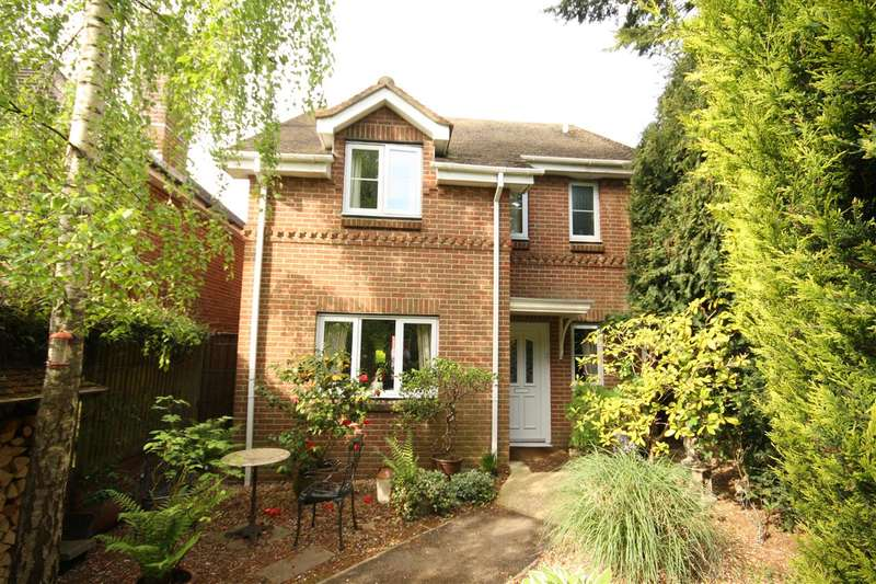 3 Bedrooms Detached House for sale in Wickham, Hampshire