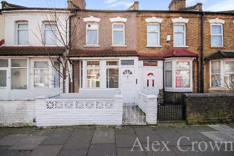 3 Bedrooms Terraced House for sale in Bounces Road, Edmonton