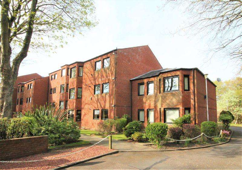 3 Bedrooms Ground Flat for sale in Savoy Park, Ayr