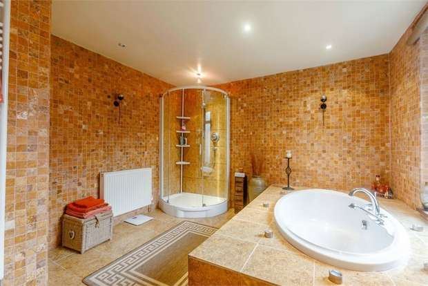 4 Bedrooms Terraced House for sale in London Road, Northwich, Cheshire