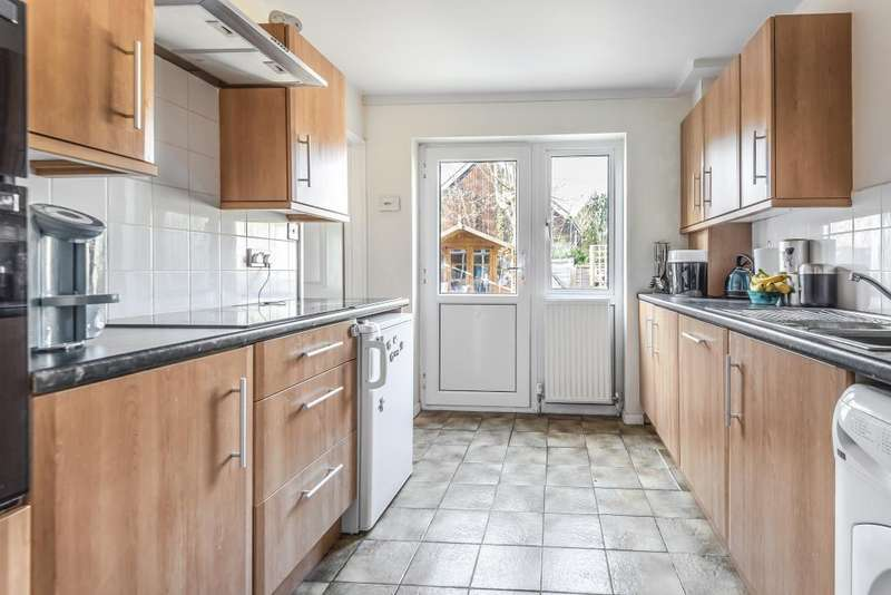 3 Bedrooms House for sale in Hurley, Nr Henley on Thames, Marlow and Maidenhead, SL6