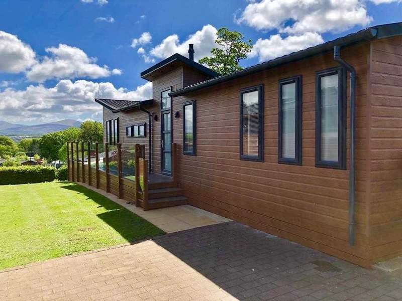 3 Bedrooms Park Home Mobile Home for sale in Cambrian Snowdonia Superlodge, At Plas Coch 5* Holiday Homes, Llanedwen