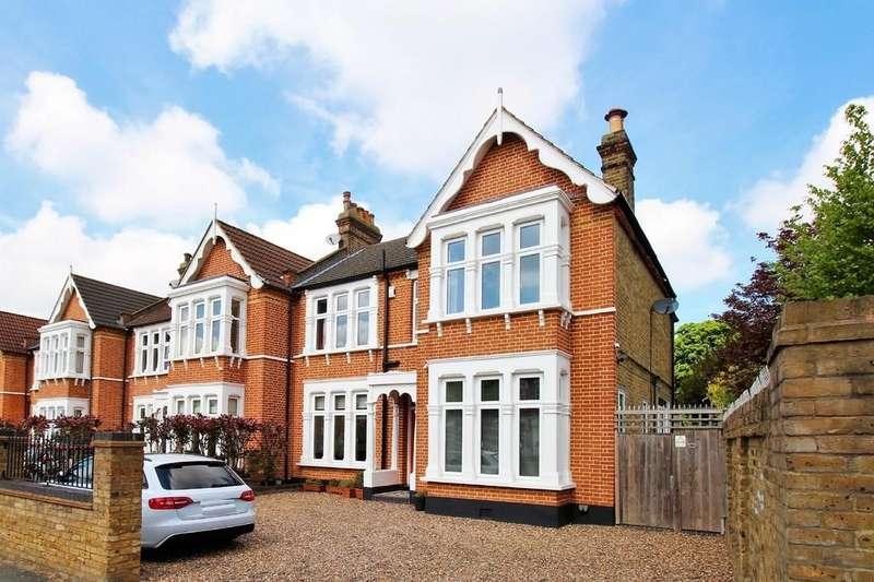 4 Bedrooms Semi Detached House for sale in Gourock Road, Eltham SE9