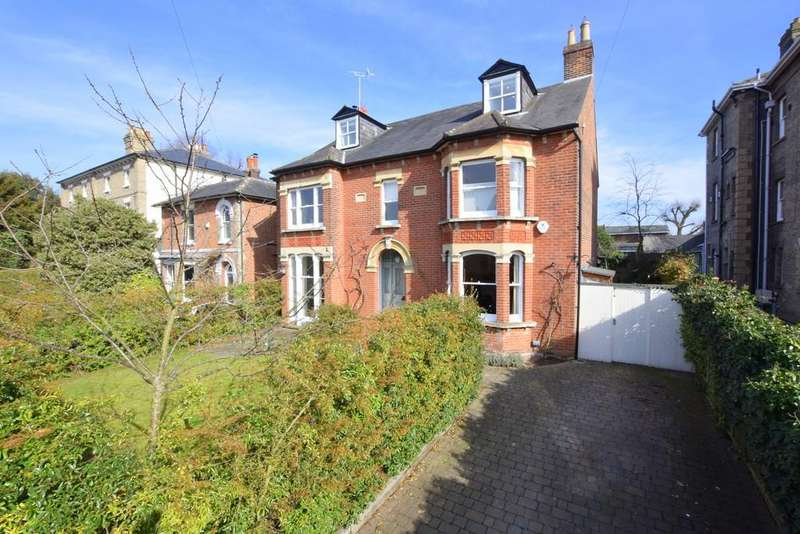 6 Bedrooms Detached House for rent in Beverley Road, Colchester, Essex