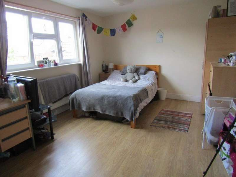 9 Bedrooms Semi Detached House for rent in Lodge Road, Southampton