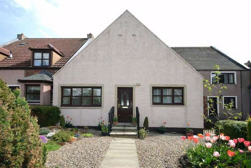 2 Bedrooms Bungalow for sale in 2, East Mill Court, East Mill Court, Strathmiglo, Fife, KY14