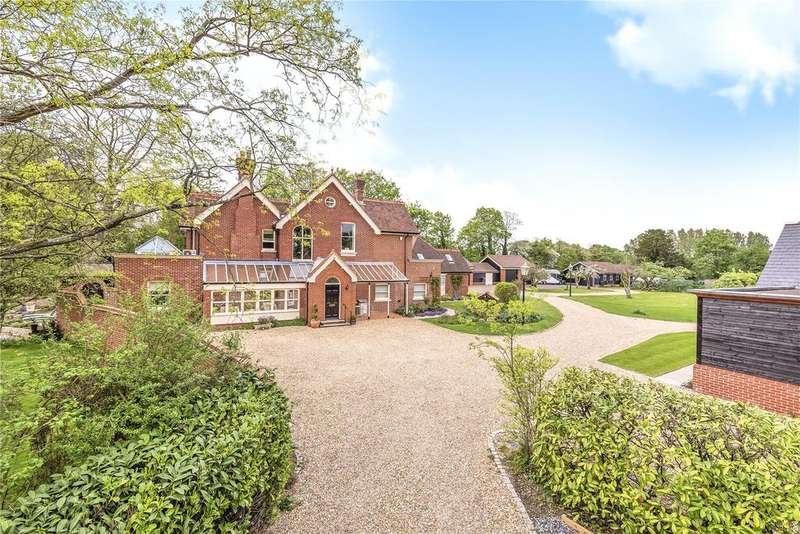 5 Bedrooms Detached House for sale in Calcot Lane, Curdridge, Southampton, Hampshire, SO32