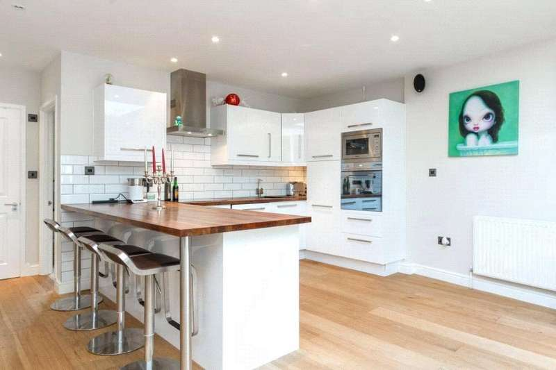 2 Bedrooms Semi Detached House for sale in Balvernie Grove, Southfields, London, SW18