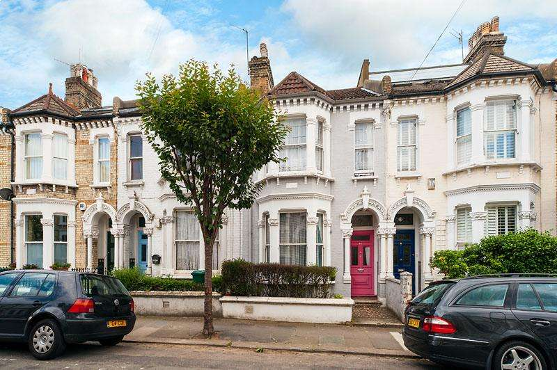 3 Bedrooms Terraced House for sale in Montholme Road, Battersea, London, SW11