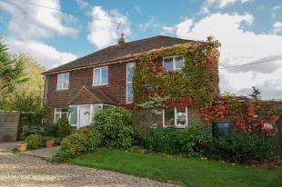 4 Bedrooms Detached House for sale in Standard Hill, Ninfield, Battle, East Sussex