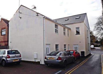1 Bedroom Maisonette Flat for sale in High Street South, Dunstable, Bedfordshire
