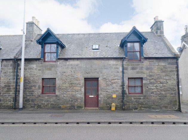 2 Bedrooms Terraced House for sale in 18 Rosslyn Street Brora KW9 6NY