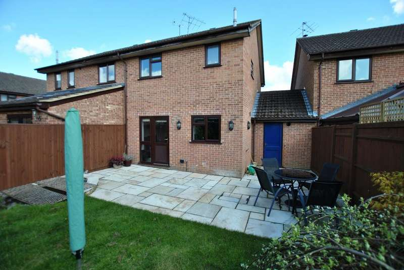 3 Bedrooms Semi Detached House for sale in Five Acre, Tilehurst, Reading, RG31 5WH