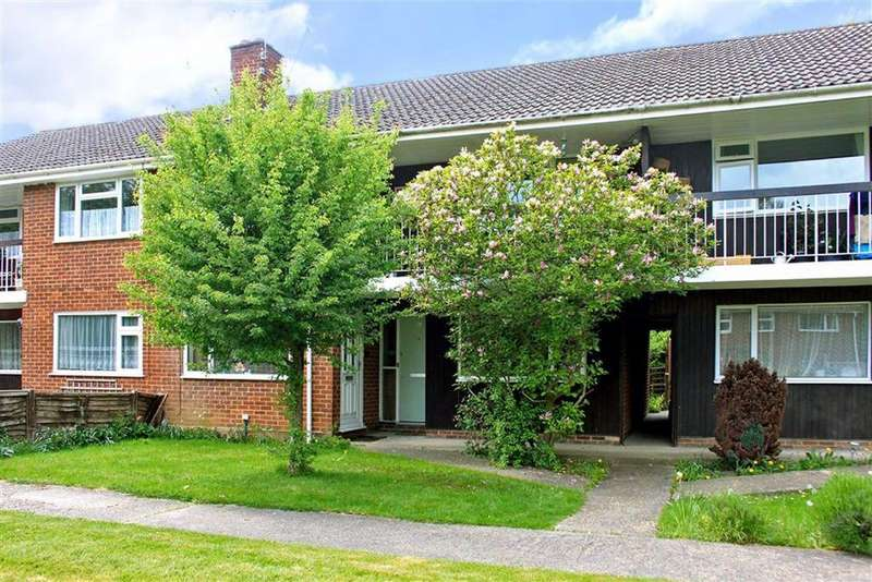 2 Bedrooms Maisonette Flat for sale in Audley Drive, Maidenhead, Berks