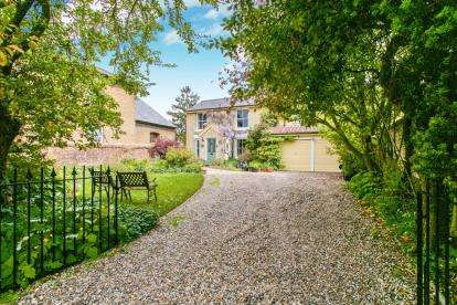 4 Bedrooms Detached House for sale in Isleham, Ely, Cambridgeshire