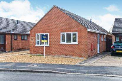 3 Bedrooms Bungalow for sale in Chatteris, Ely, Cambridgeshire