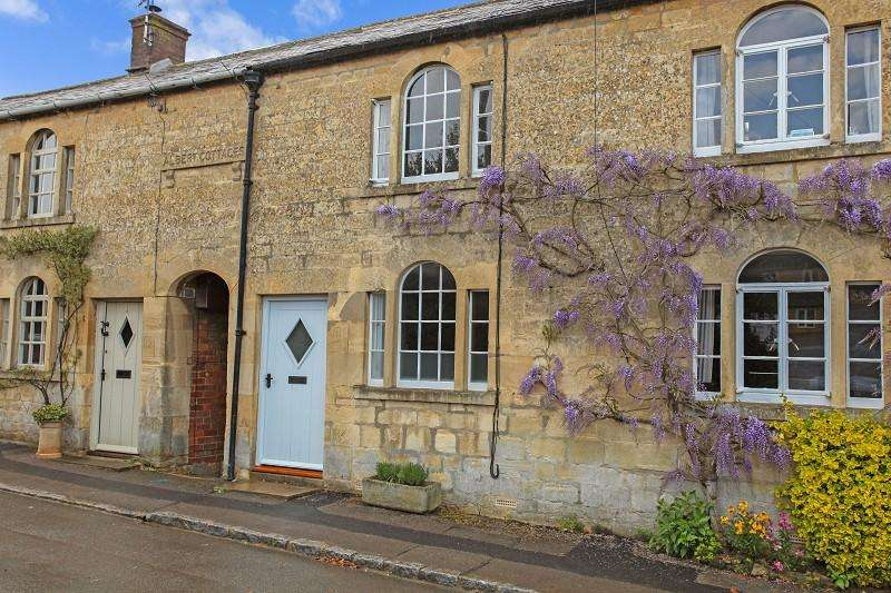 2 Bedrooms Terraced House for sale in Park Road, Blockley, Gloucestershire. GL56 9BZ