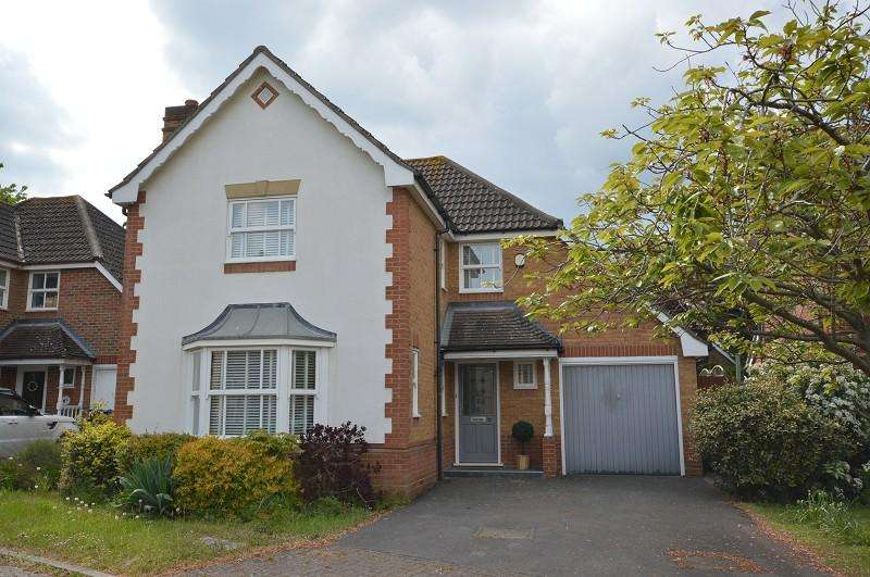 4 Bedrooms Detached House for sale in Lofthouse Place, Chessington, Surrey, KT9