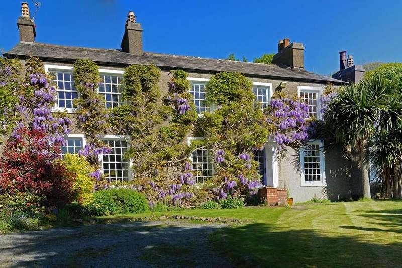 5 Bedrooms Detached House for sale in The Ridding, The Hill, Millom, Cumbria, LA18 5HE