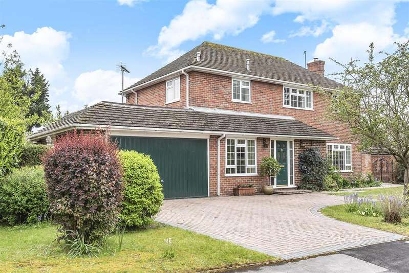 4 Bedrooms Detached House for sale in Mayfields, Sindlesham, Berkshire, RG41 5BY